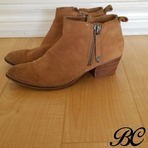Dolce Vita Boots Botties Brown Suede Distressed